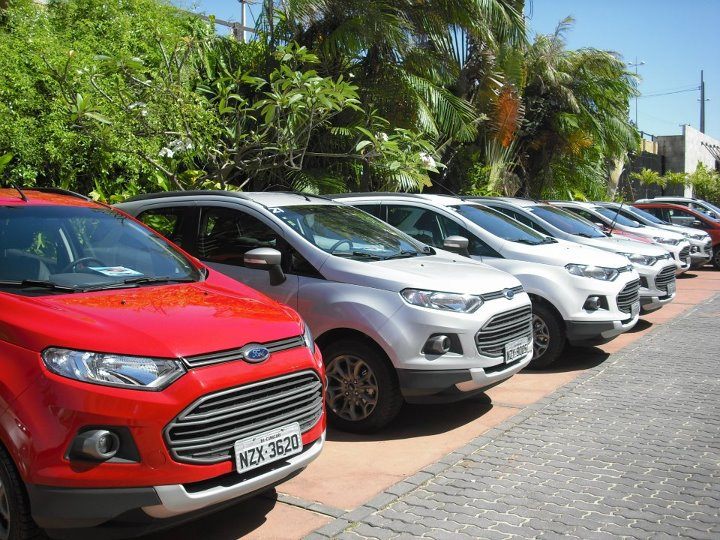 Ford EcoSport : More New Pictures in Different Colors [26 Pic Gallery]