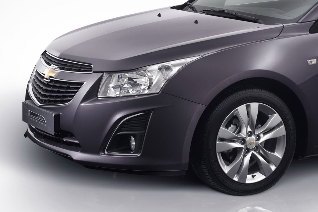 new facelift Chevy Cruze 2012