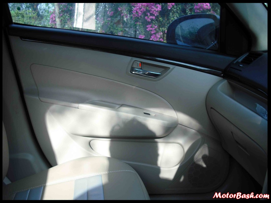 Maruti-Swift-Front-Doors