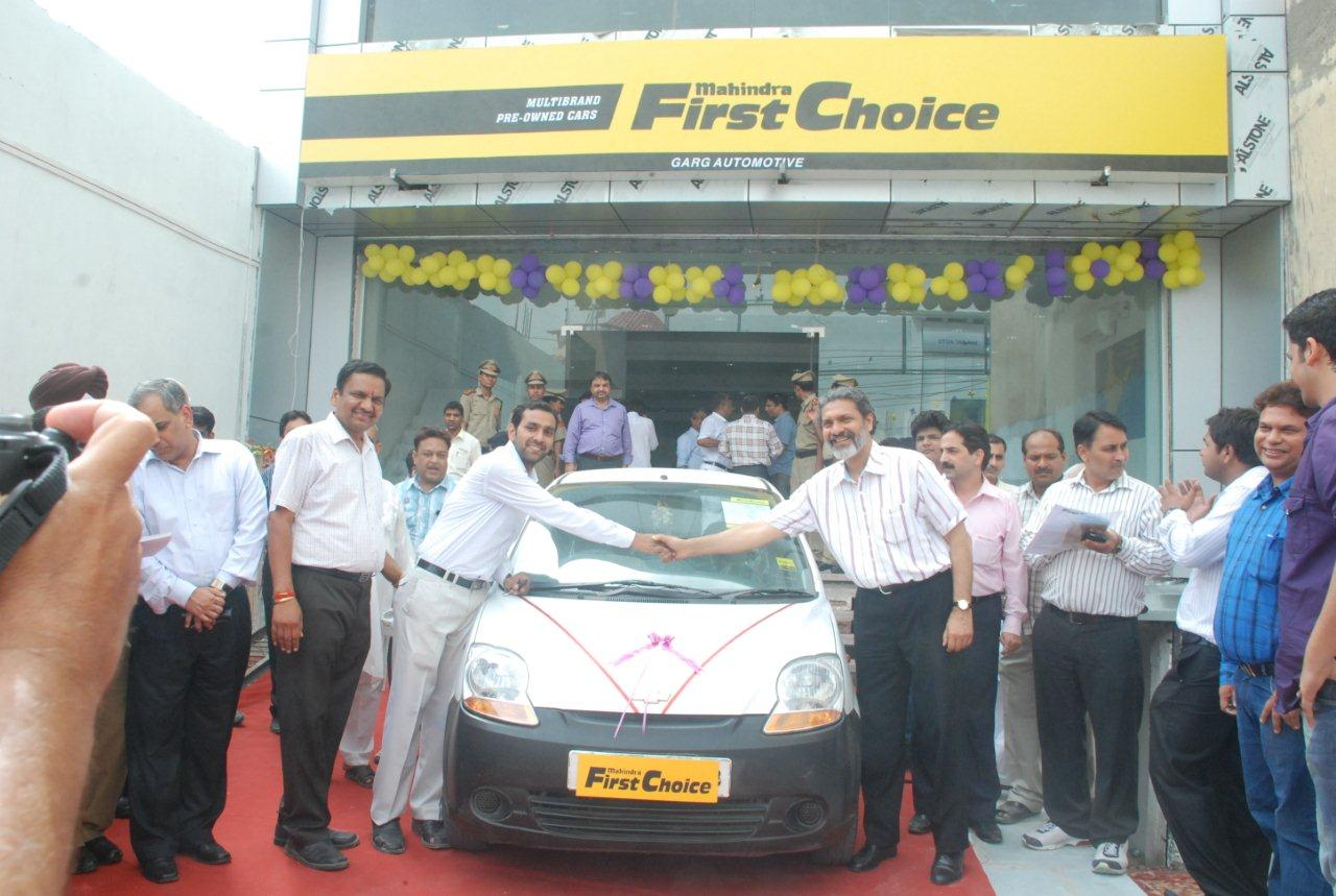 a62bebc3d5 Mahindra First Choice Wheels Opens Largest Store in Delhi ...