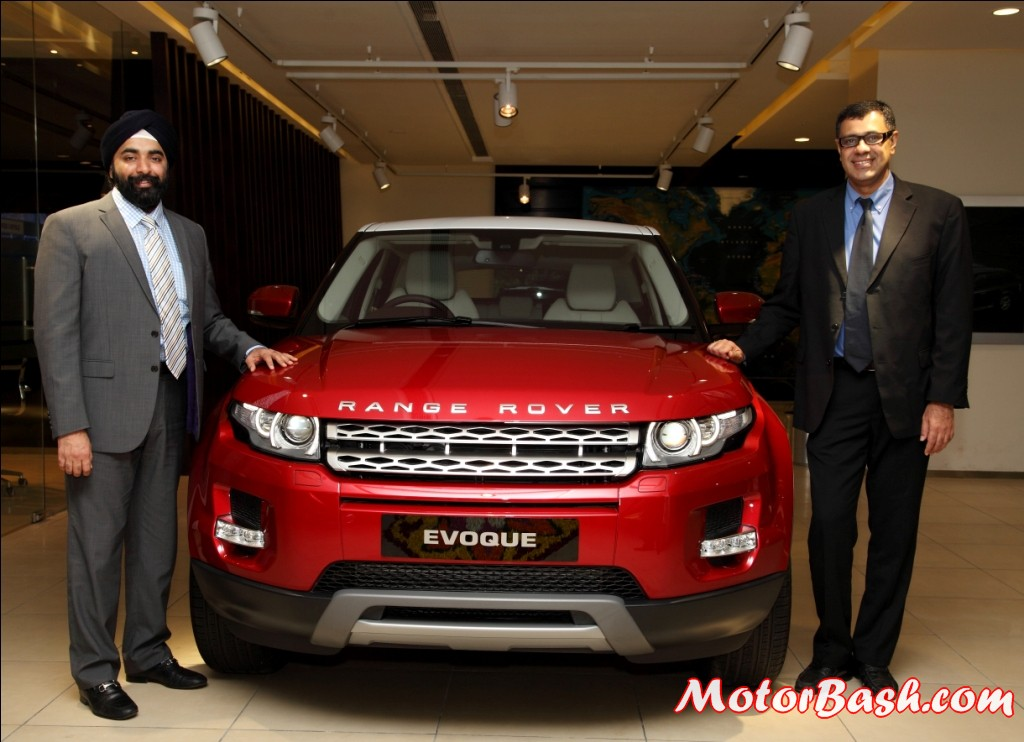 Jaguar_Land_Rover_Pune_Dealership_Launch