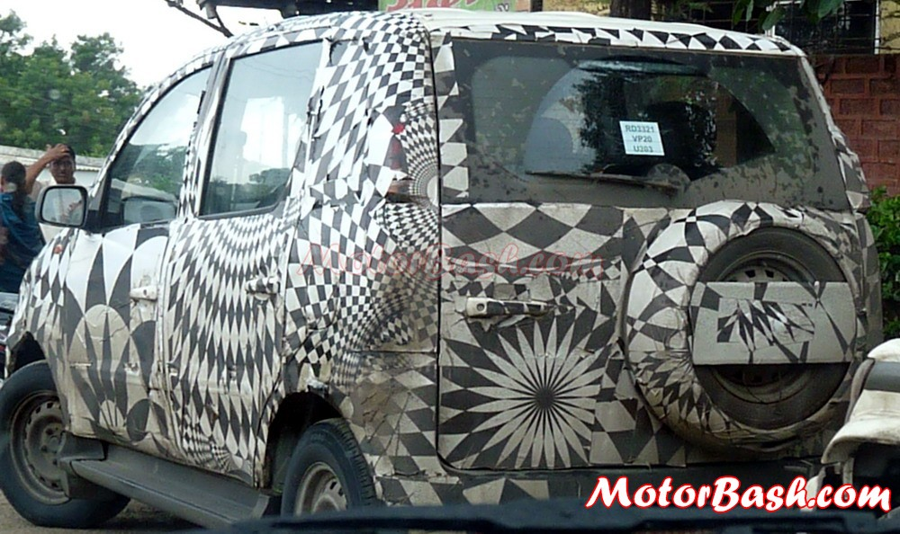Mahindra_Mini_Xylo_Scoop_By_MotorBash
