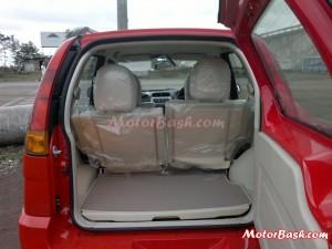 Premier_Rio_1.3_MultiJet_Diesel_By_MotorBash_Trunk_rear_seat