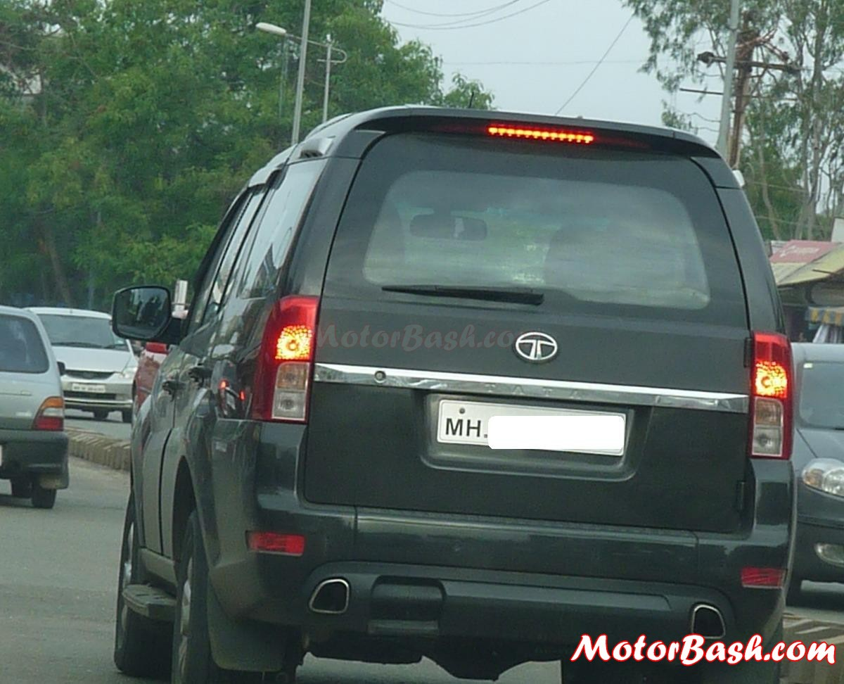 Tata_Safari_Storme_by_MotorBash