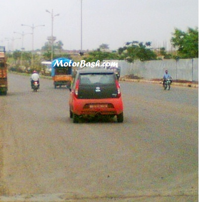 Tata_nano_Limited_Special_Edition_Rear_By_MotorBash