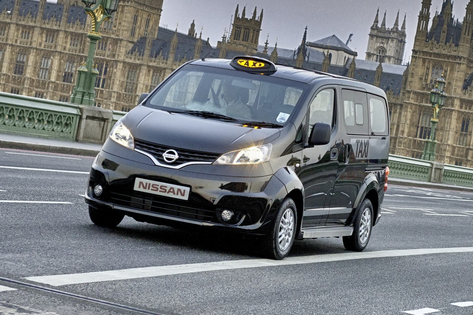 confirmed nissan to launch evalia mpv on 26th september. Black Bedroom Furniture Sets. Home Design Ideas