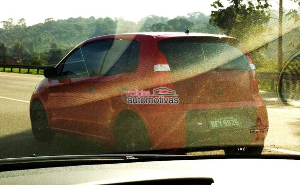 Volkswagen_UP_Spied_in_Brazil