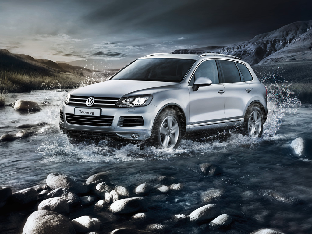 scoop new gen vw touareg spotted at a dealership launch soon. Black Bedroom Furniture Sets. Home Design Ideas