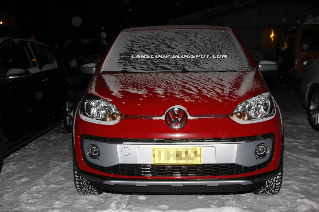 2014-VW-Cross-Up-1