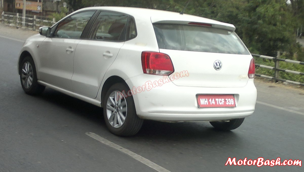 Volkswagon_Polo_TSI-side