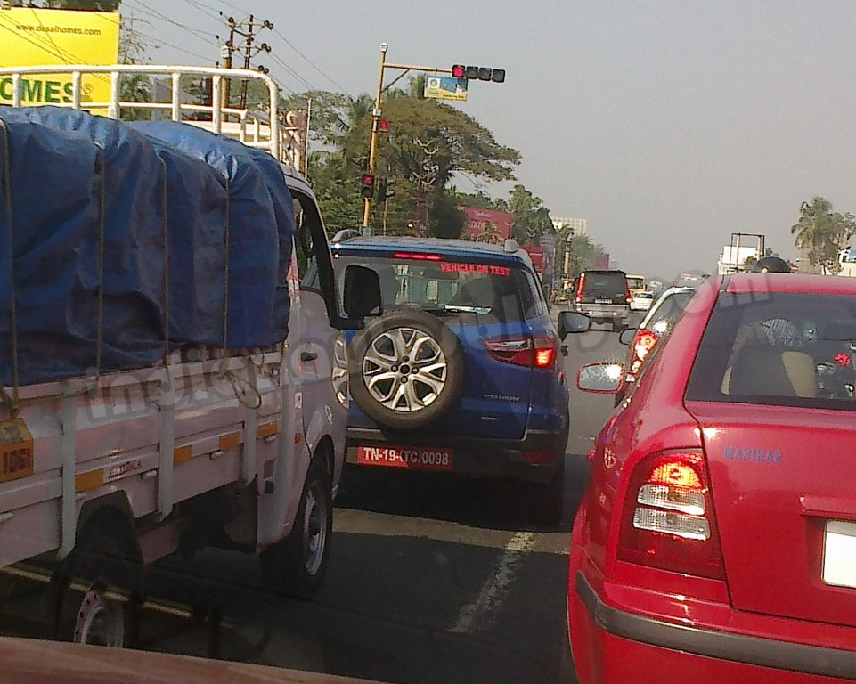 Ford-EcoSport-spotted-testing-in-Cochin