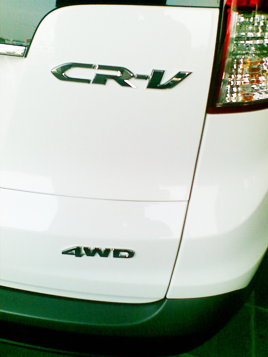 New-Honda-CR-V-for-India-badge