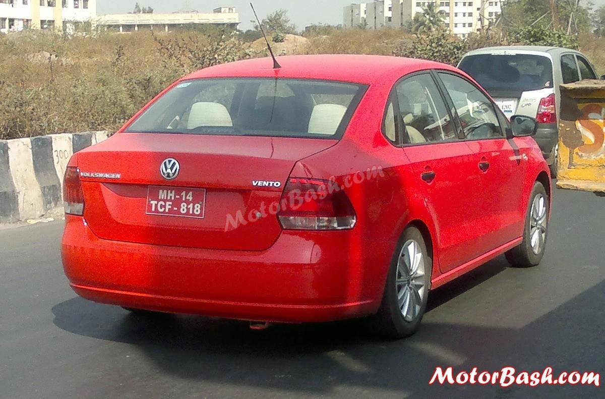 Volkswagen-Vento-CNG-red
