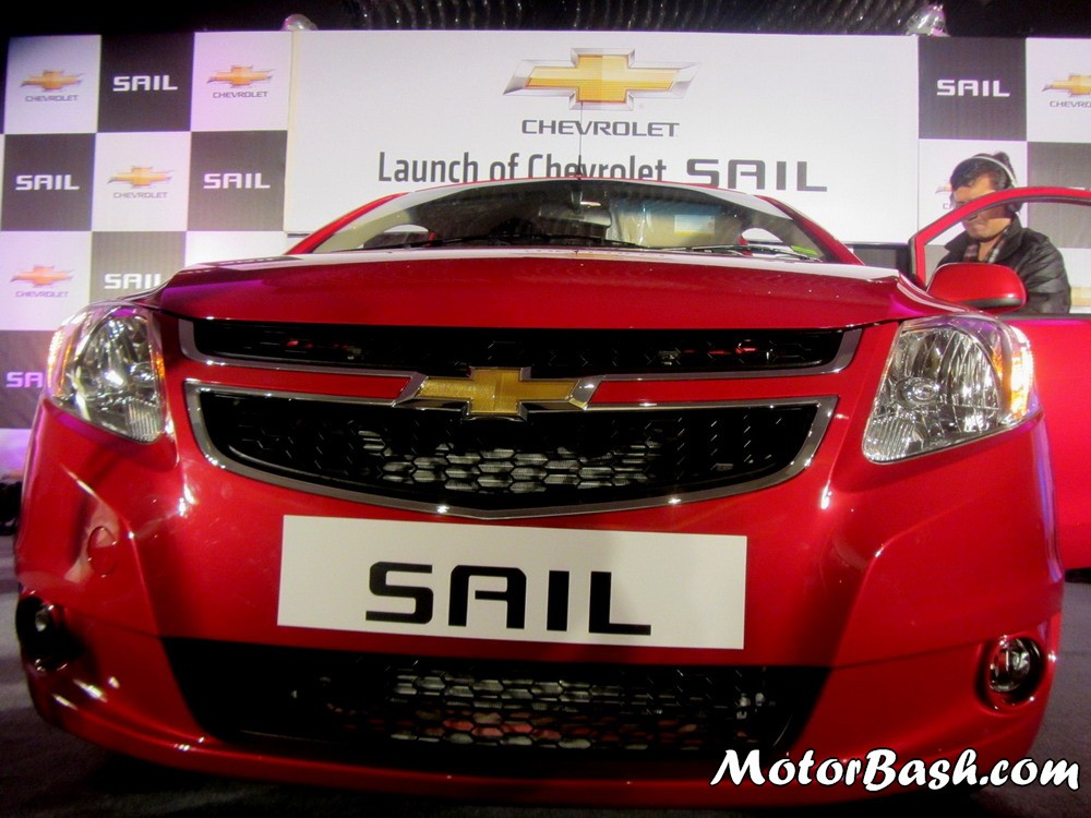 Chevrolet-Sail-Sedan-Exterior-Pics (20)