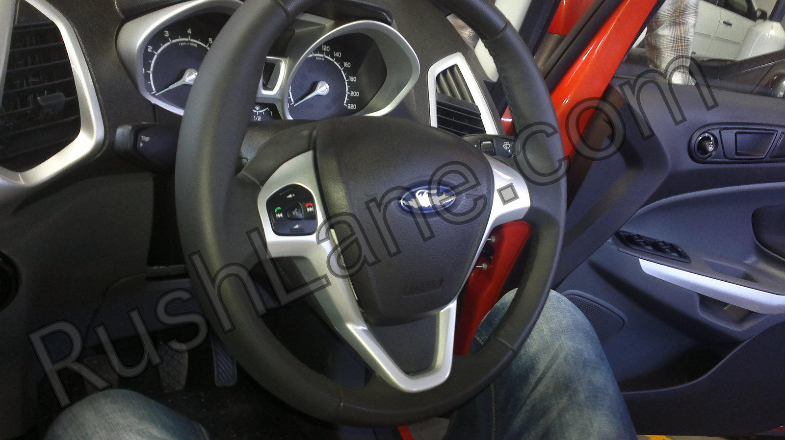 Ford-Ecosport-Ecoboost-Interiors-Steering
