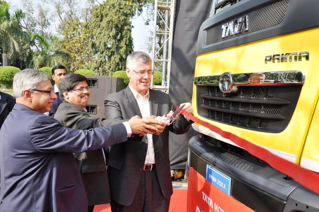 Tata's-Two-Millionth_Truck-2