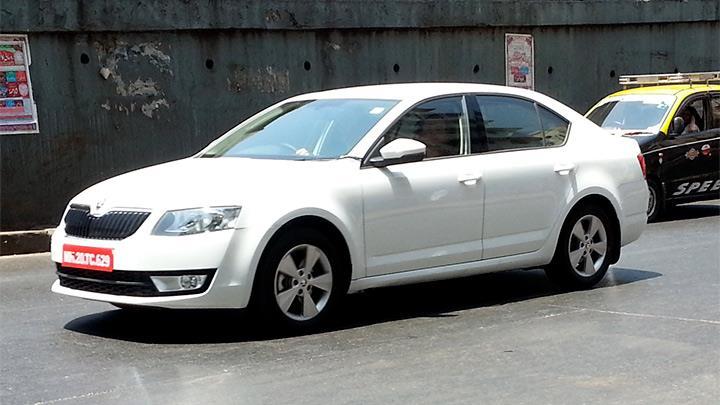 2013-Skoda-Octavia (2)