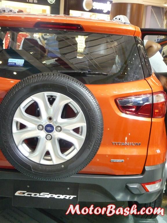 Ford-EcoSport-EcoBoost-Titanium_03