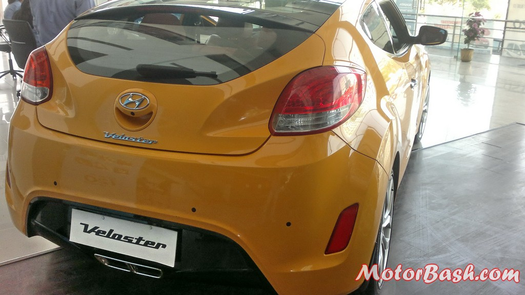 Hyundai-Veloster-India_02