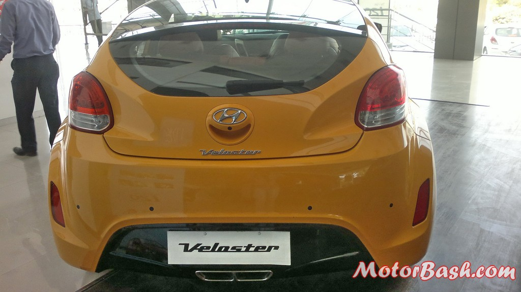 Hyundai-Veloster-India_03