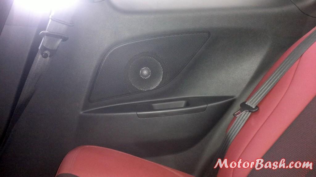 Hyundai-Veloster-India_05