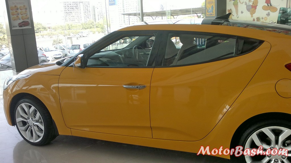 Hyundai-Veloster-India_06