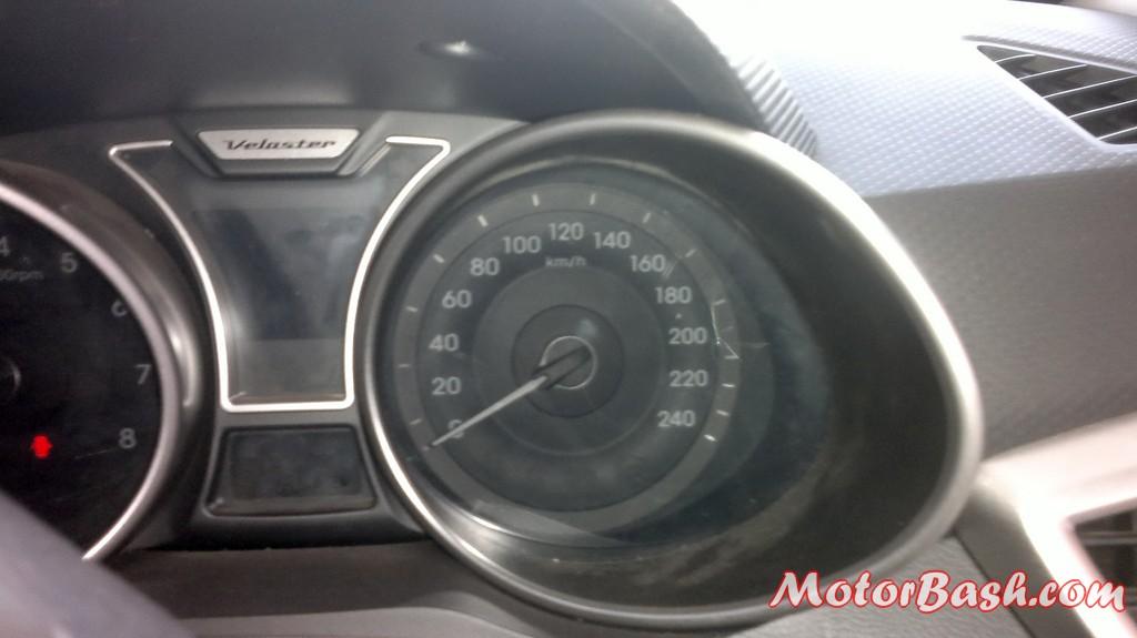 Hyundai-Veloster-India_11