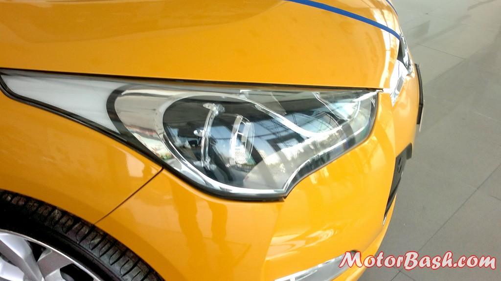Hyundai-Veloster-India_17