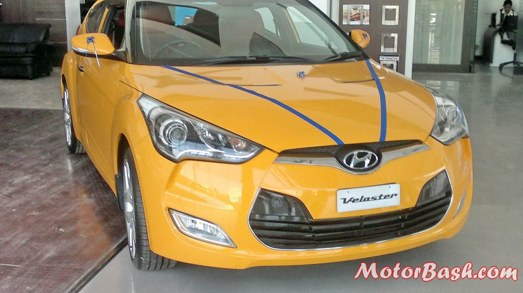 Hyundai-Veloster-India_24
