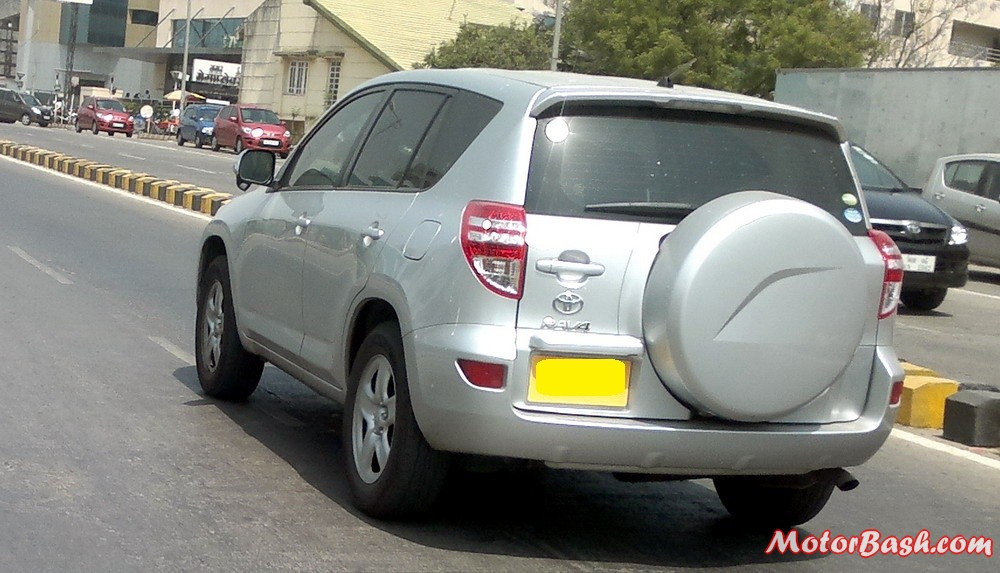 Spotted: What is Toyota RAV4 Compact Crossover Doing in India?