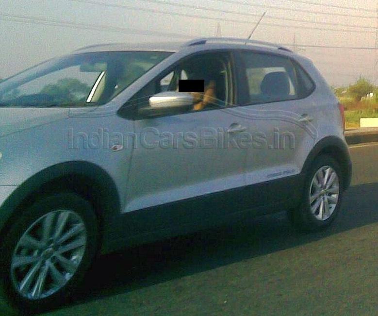 2013-VW-CrossPolo-India