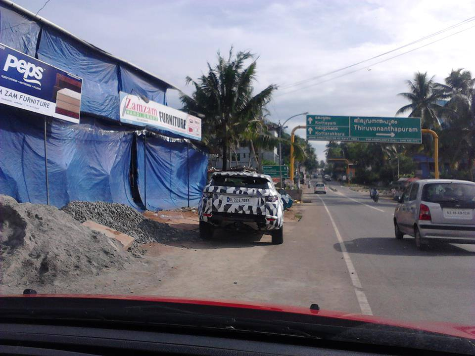 2015-Land-Rover-Freelander-India (2)