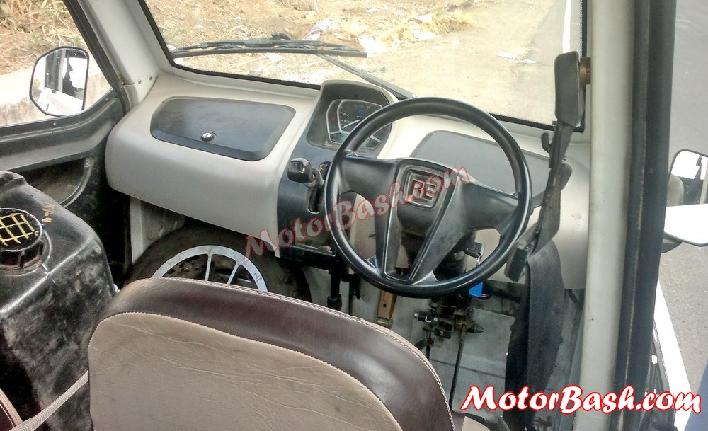 Bajaj-RE60-Quadricycle-3