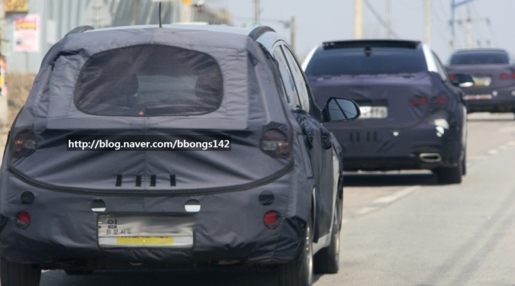 Next-Gen-Hyundai-i20-spyshot (4)