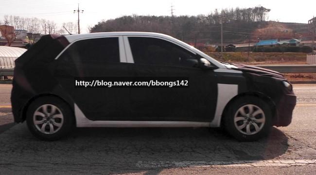 Next-Gen-Hyundai-i20-spyshot (5)