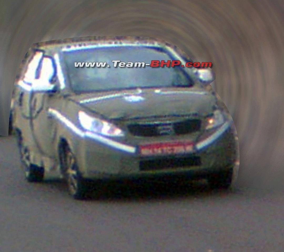 2014-Tata-Indica-Vista-Spy