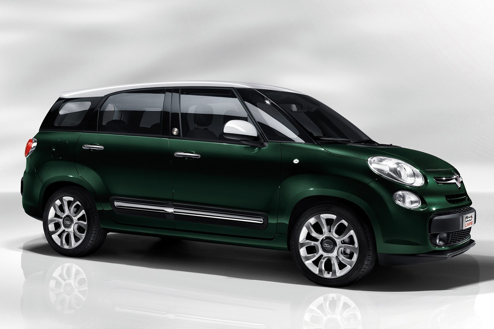 india bound fiat 39 s 7 seater mpv launched called 39 500l living 39. Black Bedroom Furniture Sets. Home Design Ideas