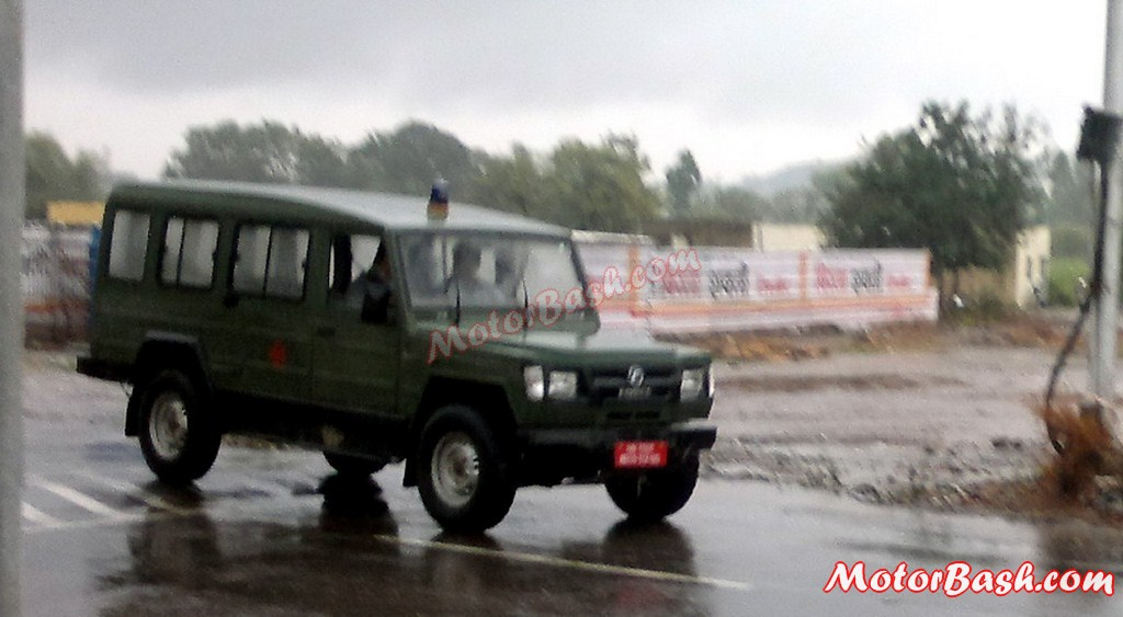 Force-Trax-Military-Ambulance (1)