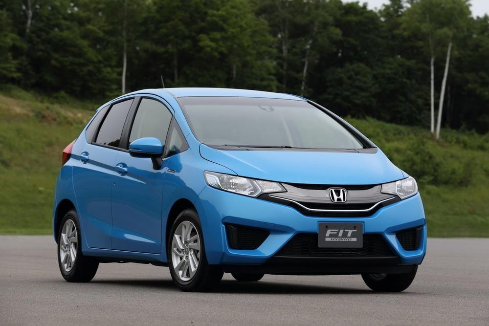 2014-Honda-Fit-Jazz-1[2]