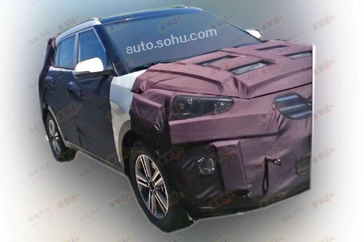 Hyundai-Compact-SUV-Spy-Pic (1)