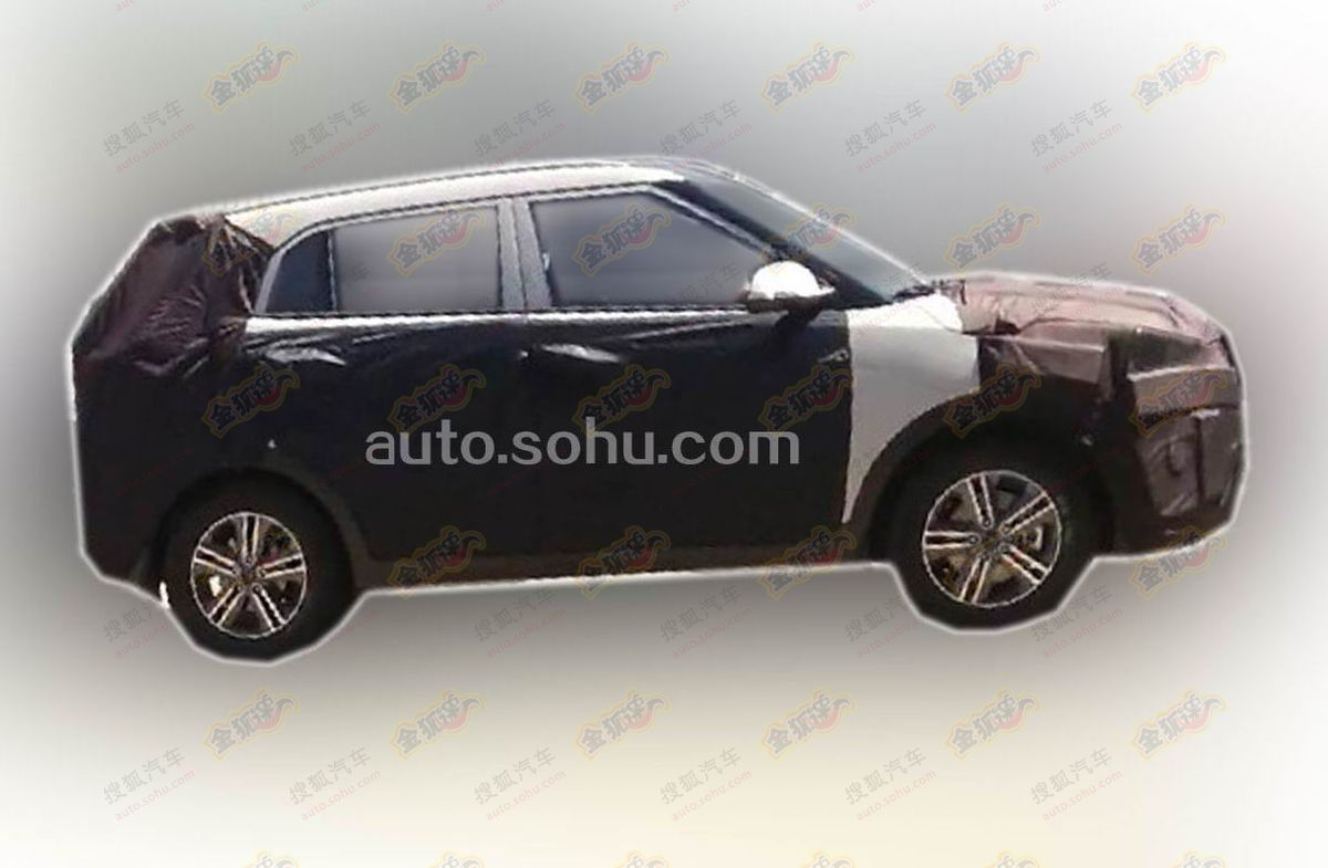 Hyundai-Compact-SUV-Spy-Pic (3)