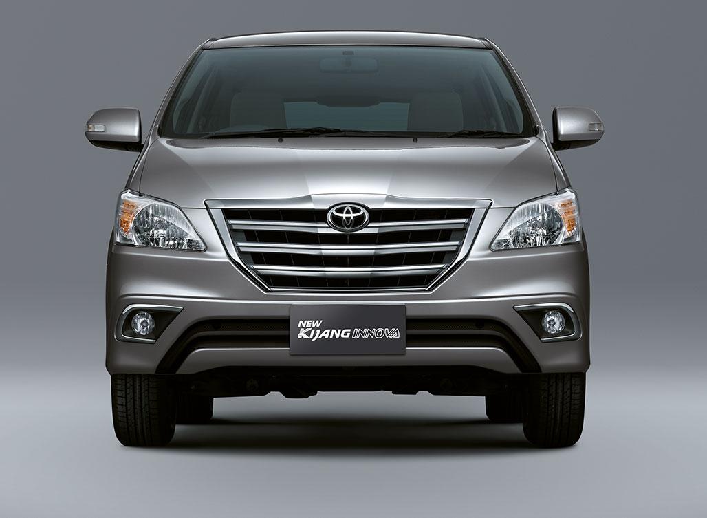 Toyota-Innova-Facelift (4)