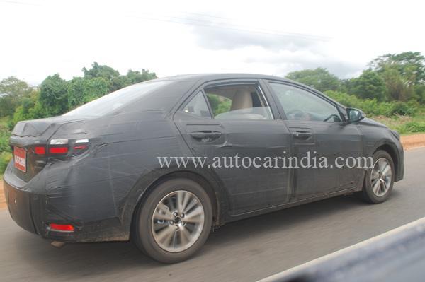 2014-Next-Gen-Toyota-Corolla-Pics-India- (1)