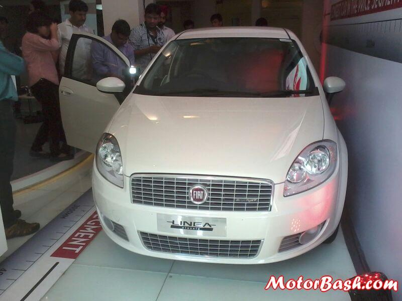 Fiat-Linea-Classic-Launch (3)