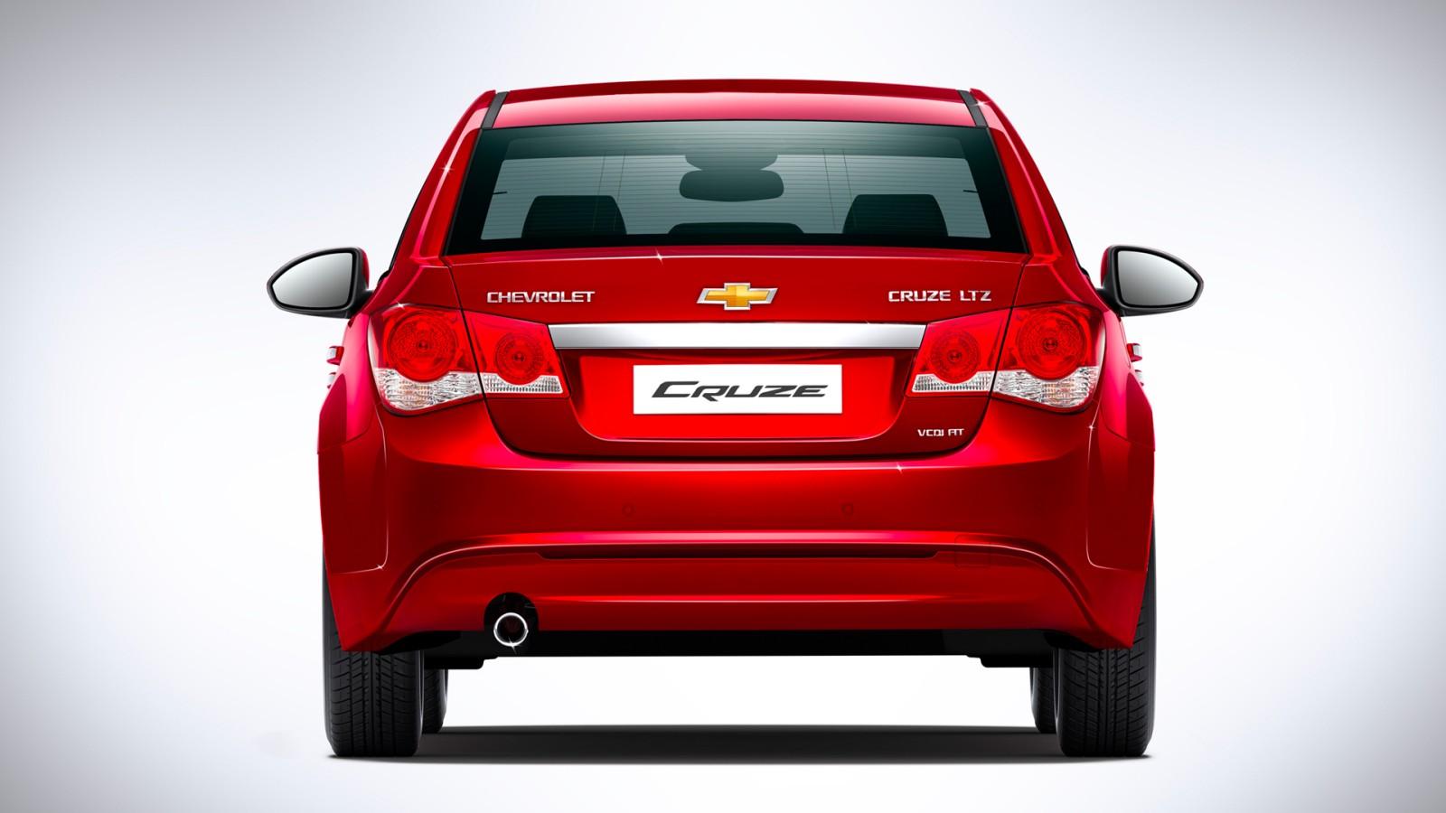 2013-Chevrolet-Cruze-Facelift-Pics (3)