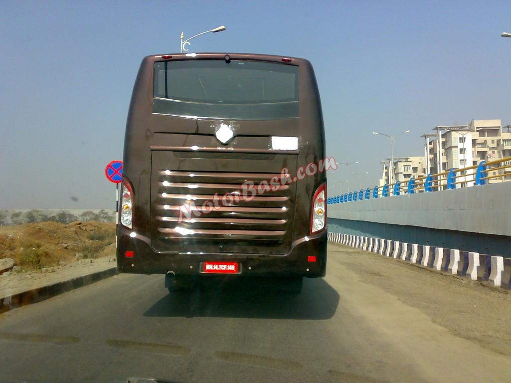 Mahindra-Rear-Engine-Bus (2)