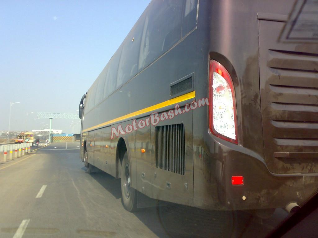 Mahindra-Rear-Engine-Bus