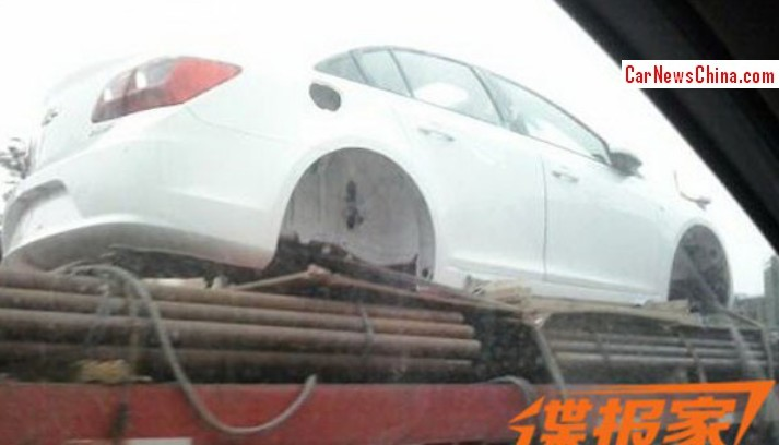 chevrolet-cruze-facelift-spotted-in-china-side