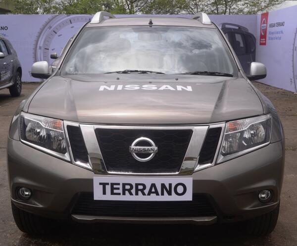 Terrano-at-dealership