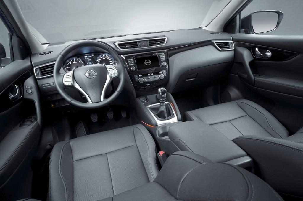 2014-Nissan-Qashqai-Interiors